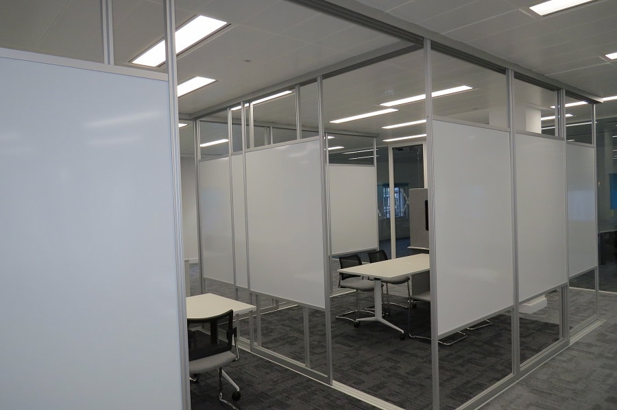 hot meeting room with whiteboard walls